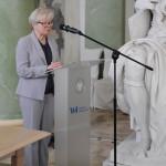 Słowo wstępne wygłasza Prorektor ds. studentów i jakości kształcenia – prof. UW dr hab. Jolanta Choińska-Mika